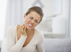 Get an emergency tooth extraction in 43725.
